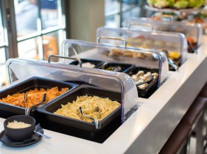BLENDS Lunch Buffet 16€